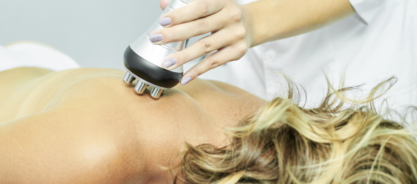 Close up picture of Ultrasonic Cavitation on a woman's back